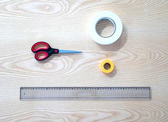 ハサミ・プラスチック定規(50cm)・両面テープ・マスキングテープ