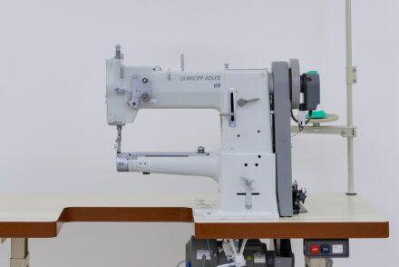 工業用シリンダーヘッドミシン(腕ミシン)