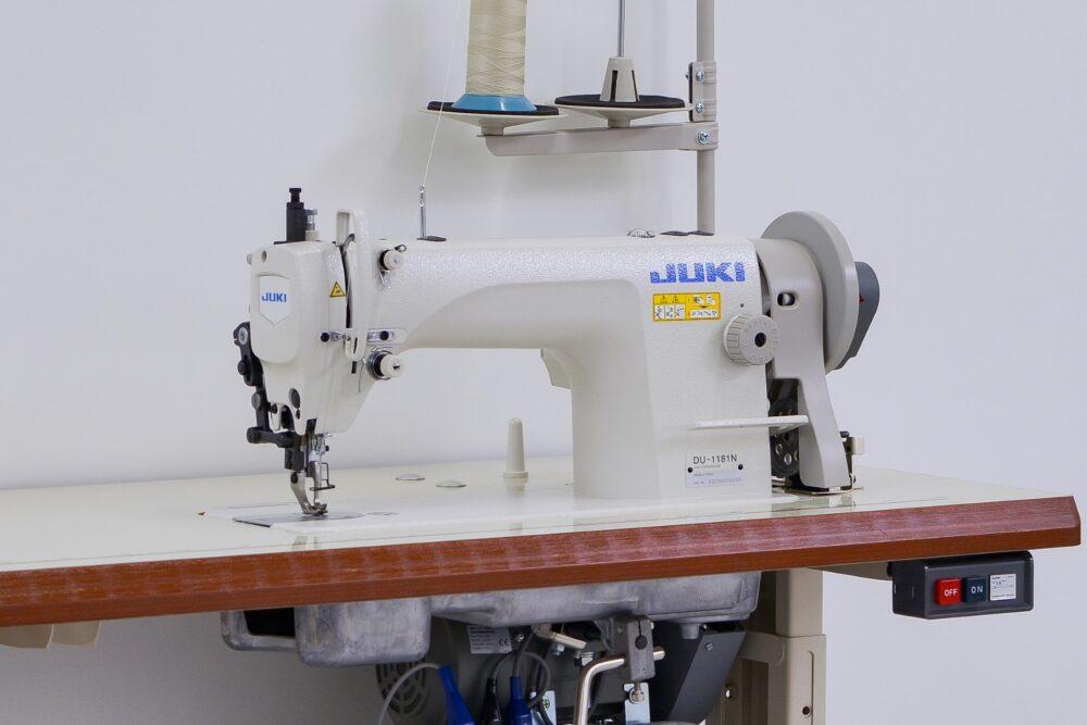 工業用厚物平ベッド1本針本縫いミシン
